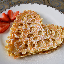 duhlicious - Lace Crepes
