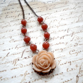 Luulla - Flower Necklace with Latte Rose Cabochon and Caramel Glass