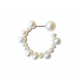 simmon - Outside Full Pearls Earring
