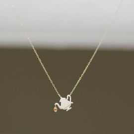 talkative by igo - tea pot necklace