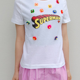 MUVEIL - superman acrylic flower tee