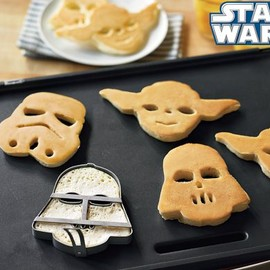Williams Sonoma - STAR WARS Pancake Molds