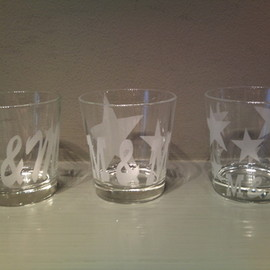 M & M - logo printed glass